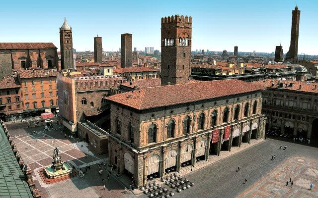 Browse villas and apartments in Emilia Romagna