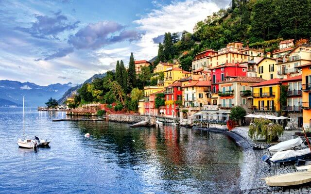 Browse villas and apartments in Lake Como
