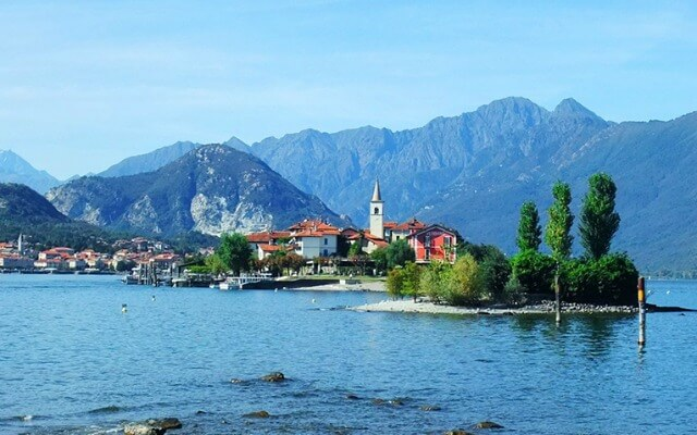 Browse villas and apartments in Lake Maggiore