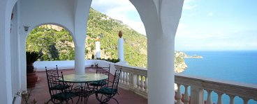 Click for more pictures of Villa Angiolina