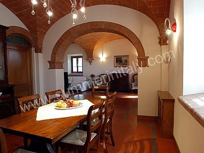 villa vesta: self catering villa in montaione, tuscany, italy - Soggiorno Cucina Con Arco