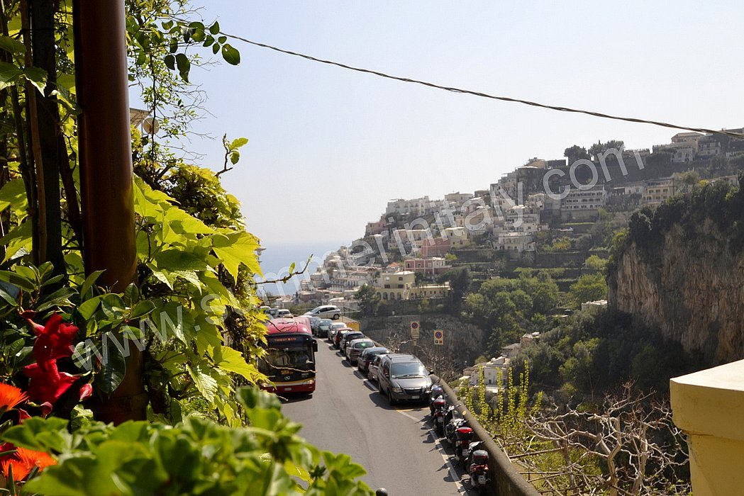 Casa corinna a appartamento ammobiliato in positano for Sdraio terrazzo