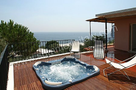 Villa ritanna d self catering apartment in marina del for Terrace jacuzzi