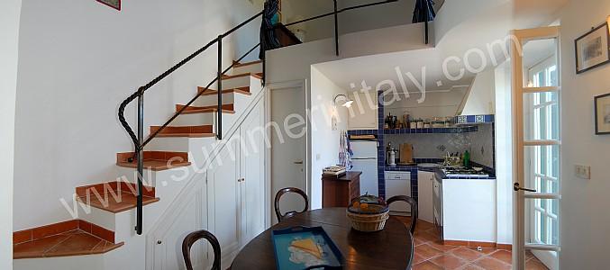 Casa francesca casa vacanza in capri italy for Letto con soppalco