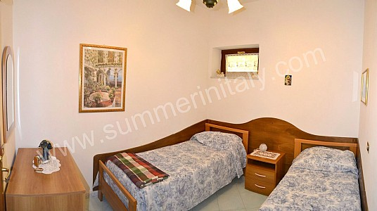 Casa rica b self catering apartment in positano amalfi coast italy - Twin bed for small space property ...