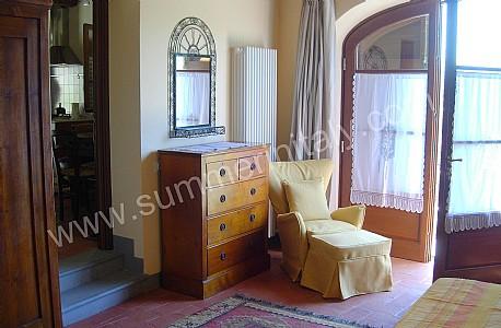 Villa preziosa villa in affitto in lucca toscana italy for Lavanderia in campagna