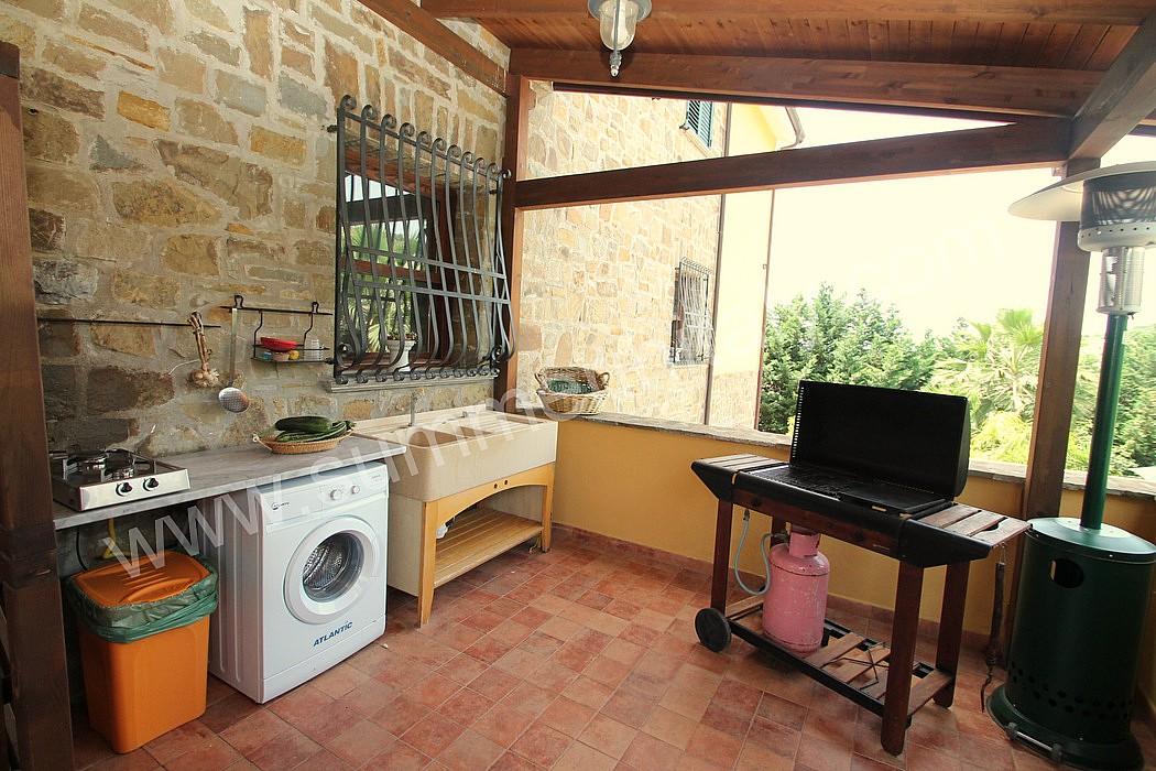 Casa turchino a appartamento ammobiliato in santa maria - Cucina sul terrazzo ...