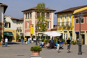 Valmontone Outlet, Shopping in Rome and Latium, Italy